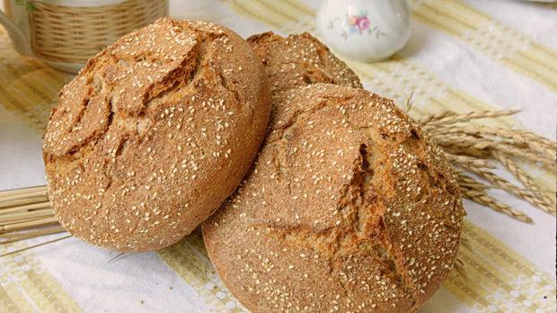 Хляб от древни сортове, с квас, разбира се