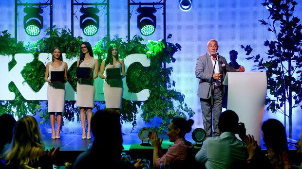 Победителите в аукциона на JTI изтегли управителят на компанията Владислав Михов