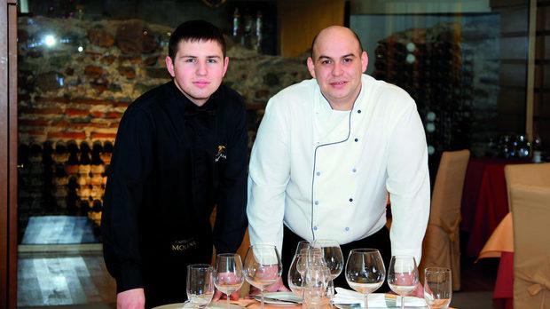 Димо Димов и Иван Маджаров (вляво)