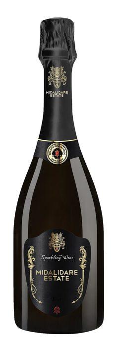 Midalidare Estate Brut NVMidalidare Estate се намира в с. Могилово, близо до Стара Загора и е една от малкото изби в България, която има специално построена винарна за пенливо вино. Лозята за това вино са биосертифицирани, на възраст повече от 10 години. Още с първата си реколта, виното печели редица световни награди, а тази година спечели титлата за най-добро българско вино в класацията на списание DiVino.Виното е blanc de blancs, направено от 100% шардоне, което допринася за елегантния и много фин вкус. Доминиращи са нотките на зелена ябълка и цитрусова кора, а финалът е дълъг и свеж. Това пенливо вино може да се пие сега или спокойно да отлежи поне още 10 години.Къде: ApollowineКолко: 32.90 лв.
